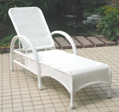 Darby Adjustable Wicker Chaise Lounge